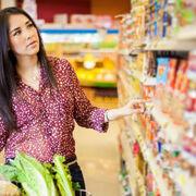 Al menos 4 de cada 10 españoles ha creído bulos sobre el colesterol