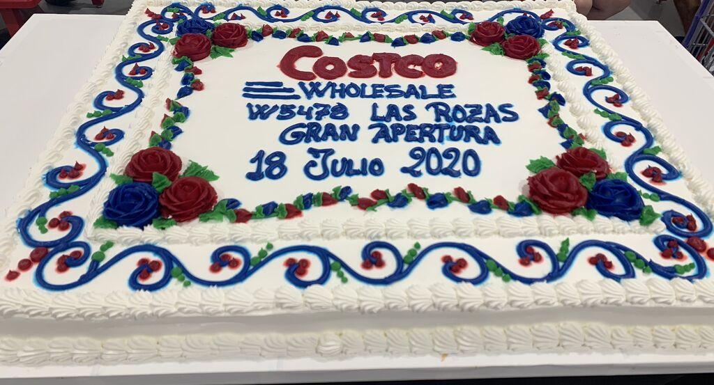 Tarta conmemorativa de la apertura de Costco Las Rozas el sábado 18 de julio de 2020.