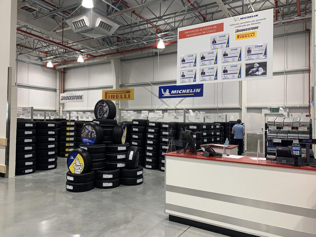 Área de neumáticos con primeras marcas