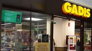 Gadisa instala un sistema con semáforo para controlar el aforo de sus tiendas