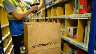 Amazon se fija en los centros comerciales para agilizar repartos