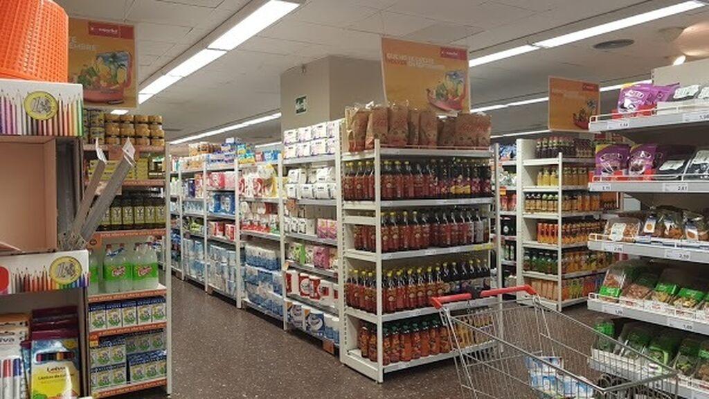 Aspecto interior de la tienda Supersol antes de la remodelación