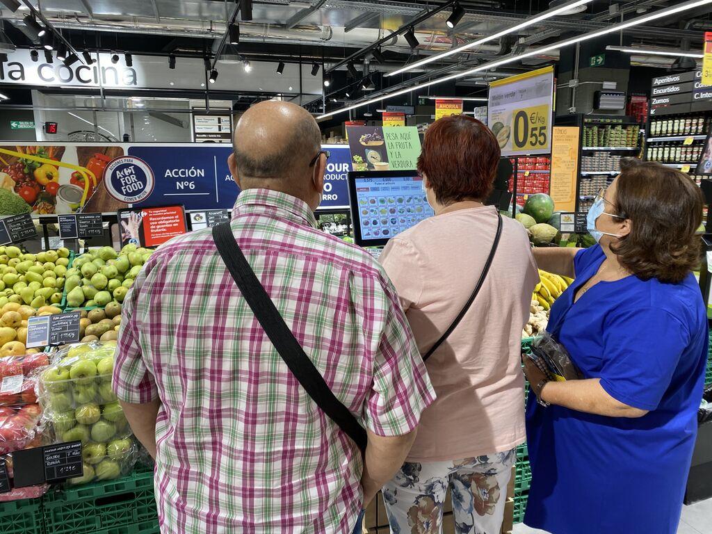 La fruta y la verdura la pesa el cliente