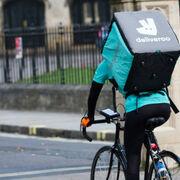 """Los riders consideran """"paternalista"""" la regulación de Trabajo sobre su situación"""