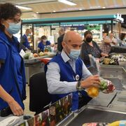 Rami Baitiéh, a pie de caja en Carrefour Francia