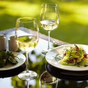 El consumo moderado de vino reduce la incidencia de enfermedades cardiovasculares