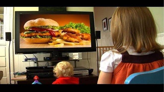 Consumo prohibirá los anuncios de alimentos no saludables para menores