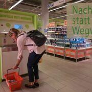 Una cadena suiza permite rellenar envases de productos de limpieza