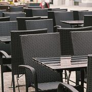 La restauración de Cataluña reclama que bares y restaurantes abran hasta el toque de queda