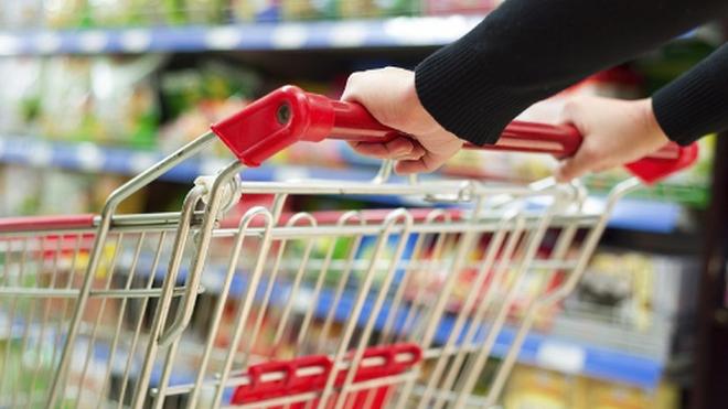 Horario y apertura de los supermercados en el puente de Todos los Santos