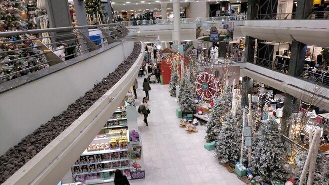7 de cada 10 consumidores prevén mantener el gasto en compras navideñas este año