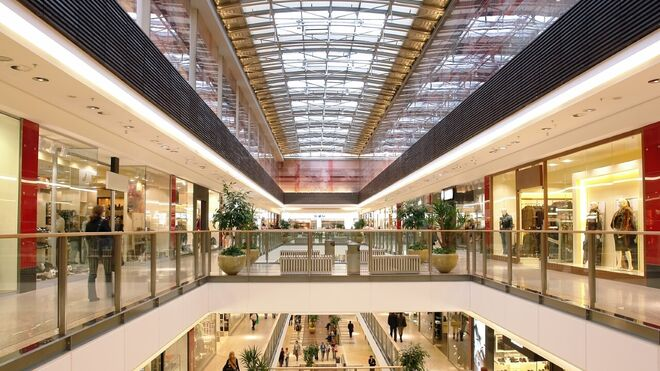La afluencia a los centros comerciales se desplomó el 43%