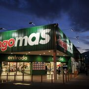 Walmart se marcha de Argentina: vende su negocio al Grupo de Narváez
