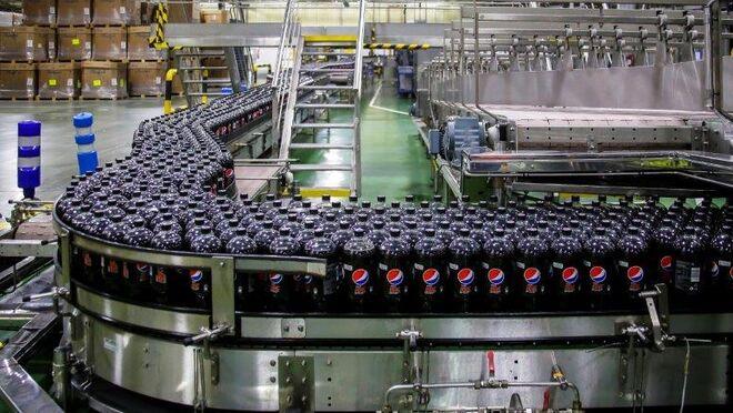 PepsiCo elige España para lanzar sus botellas Pepsi de plástico reciclado