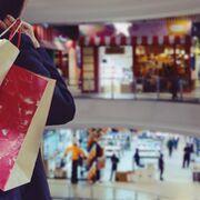 La afluencia a los centros comerciales se desploma casi el 40% en 2020