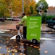 Revoolt suma el patinete eléctrico de carga para sus entregas sostenibles