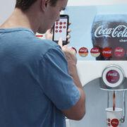 Pedir Coca-Cola desde el móvil: tecnología contactless contra los contagios