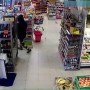 Detenido tras asaltar un supermercado con un martillo y rociarlo con gas irritante