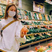 Autoridades de EE.UU. afirman que la Covid no se transmite por los alimentos o sus envases