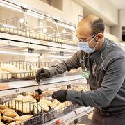 Mercadona prima con 409 millones a sus empleados por el trabajo durante la pandemia