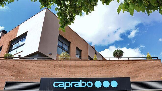 Caprabo abre en Sabadell su primera tienda en una gasolinera AVIA