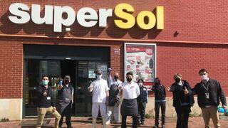 Carrefour vende a varias cadenas regionales decenas de Supersol recién adquiridos