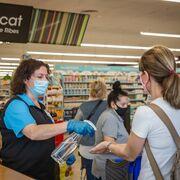 Repunta el miedo a la Covid: los consumidores confían en las tiendas pero no en el Gobierno