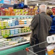 La llegada de una cuarta ola reactiva la compra de sobreabastecimiento