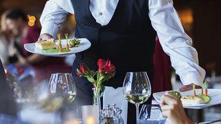 Las grandes empresas hosteleras retrasan sus pagos el doble de la media