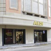 Aldi suma 10 supermercados en Barcelona con su última apertura en el Raval