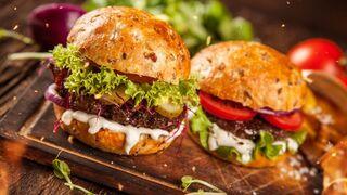 La demanda de hamburguesas a domicilio se disparó más del 100% en 2020