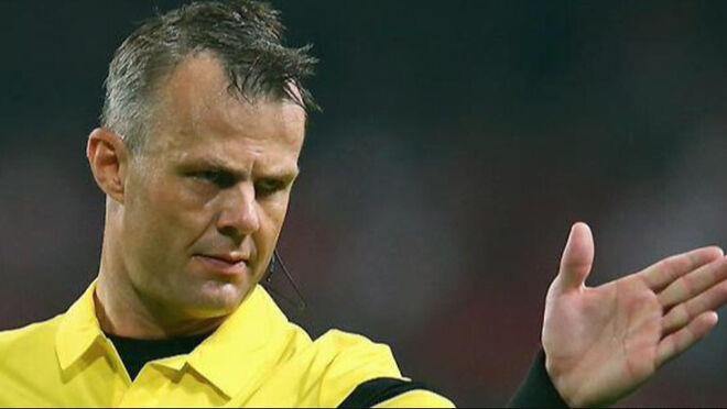 Björn Kuipers, del supermercado a pitar la final de la Eurocopa