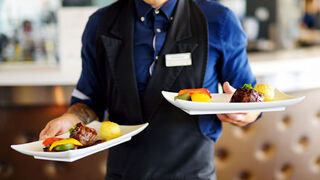 La facturación de bares y restaurantes subió el 313,4 % interanual en mayo