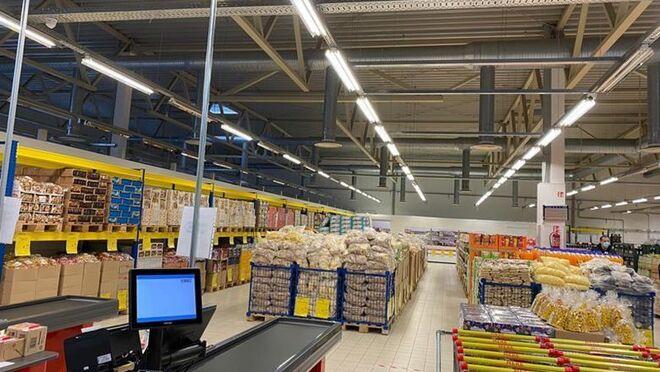 Mere aterriza en el Reino Unido y prevé abrir 300 supermercados de descuento