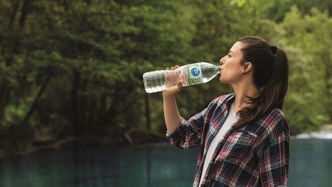 Nestlé Aquarel presenta su nueva imagen