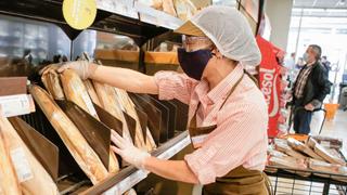 Los supermercados recortan sus ventas el 18% este verano