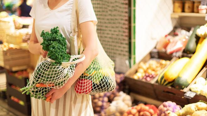 El consumo de frescos ya ocupa casi la mitad de la cesta de la compra