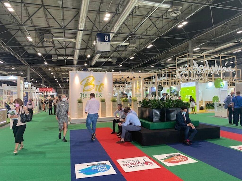 Asistentes, distancia de seguridad e higiene en Organic Food Iberia 2021