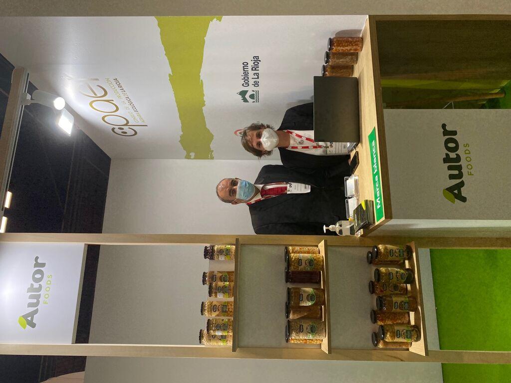 Isaac Prada y Samanta Rioseras, en el stand de Autor Foods