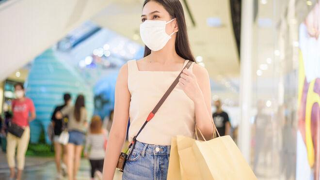 La afluencia a los centros comerciales cedió el 2,4% en agosto