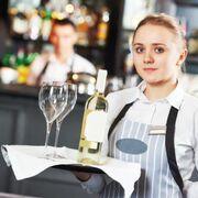 La contratación en el sector hostelero repuntó el 57% en agosto