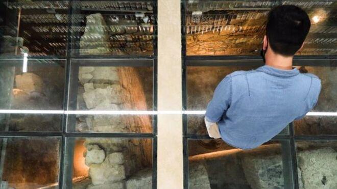 Un supermercado El Jamón en Huelva integra en su tienda restos arqueológicos prerromanos