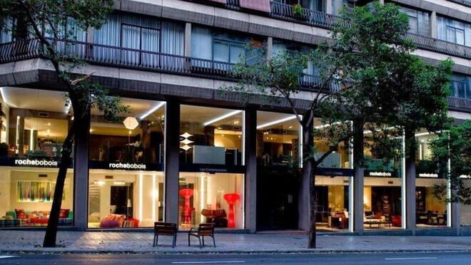 Dia prepara un súper 'bandera' en la icónica tienda de muebles de la calle Muntaner (Barcelona)