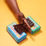 Llega a España Tony's Chocolonely, el chocolate que busca crear una industria del cacao más justa