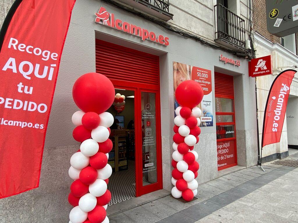 Inauguración del primer centro de recogida de Alcampo en la calle Sagasta, nº 32 (Madrid)
