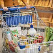 El consumo alimentario en el hogar baja el 1,5 % en año móvil hasta agosto