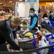 Hacer cola en el súper y el riesgo de contagio, los aspectos de mayor fricción en las compras