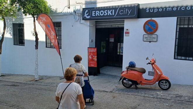 Eroski crece en Cádiz con una nueva franquicia en El Bosque